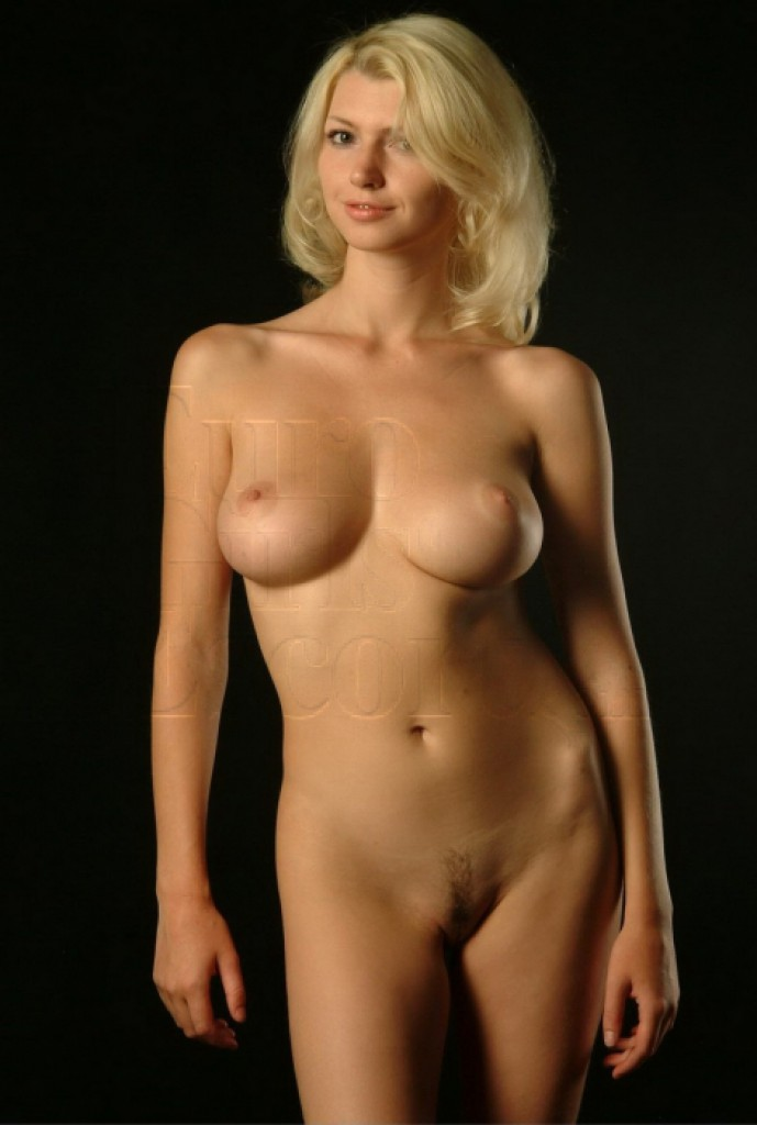 Elena - top escort in Paris