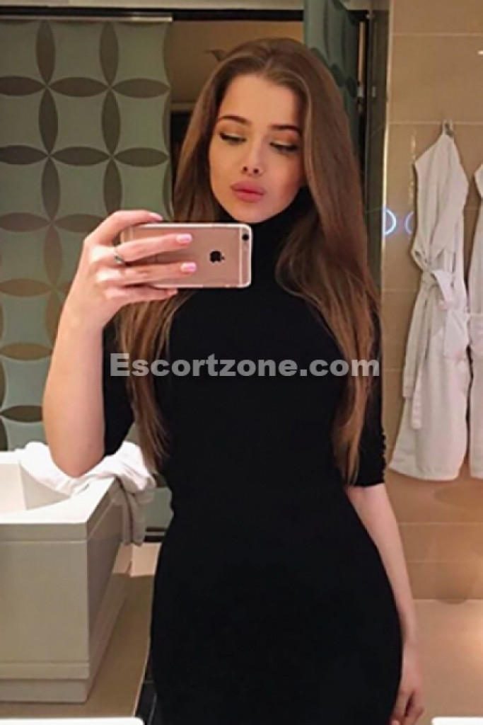 Alexa - top escort in Paris
