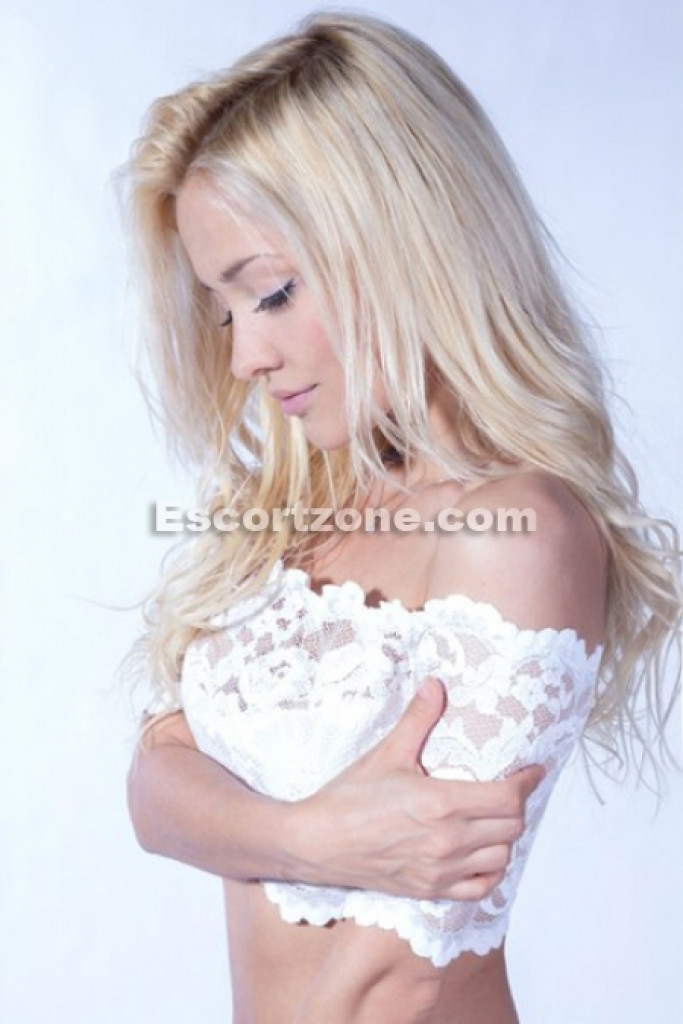 Lisa - top escort in Paris